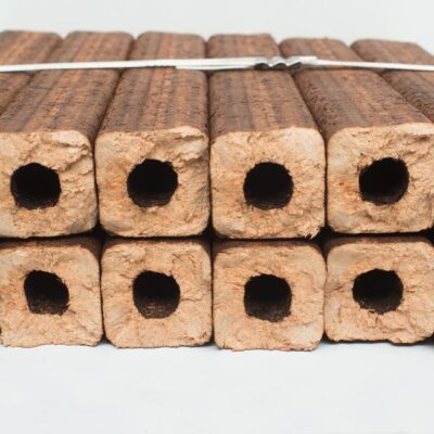 Купить брикеты типа Пини-кей/смешанные породы (цена за 1 тонну) | ICOAL - продажа твердого топлива